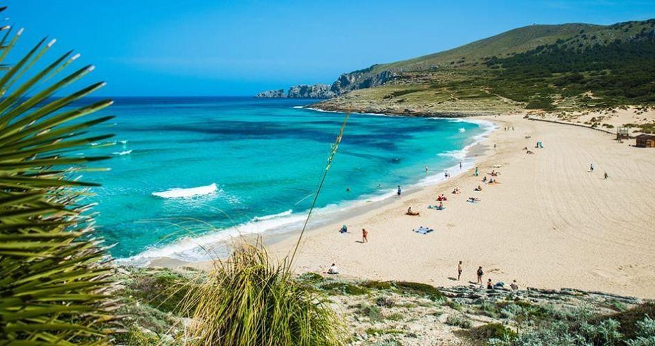 best beaches in Mallorca, Mallorca beach holiday, Balearics holiday, best beaches in the Balearics, Cala Mesquida