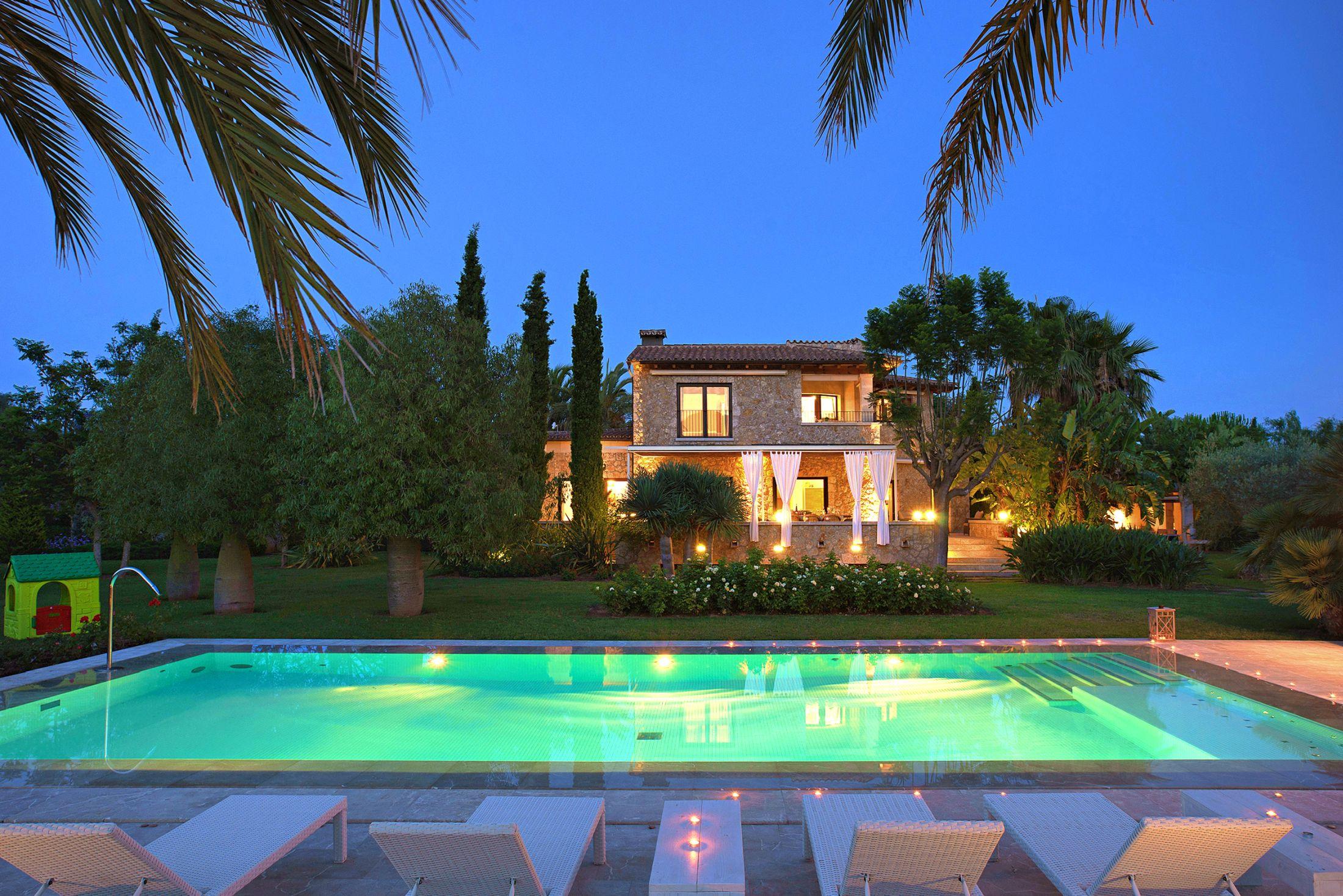 luxury villas Pollnesa, Pollensa luxury accommodation, luxury holiday Pollensa,Villa Llenaire