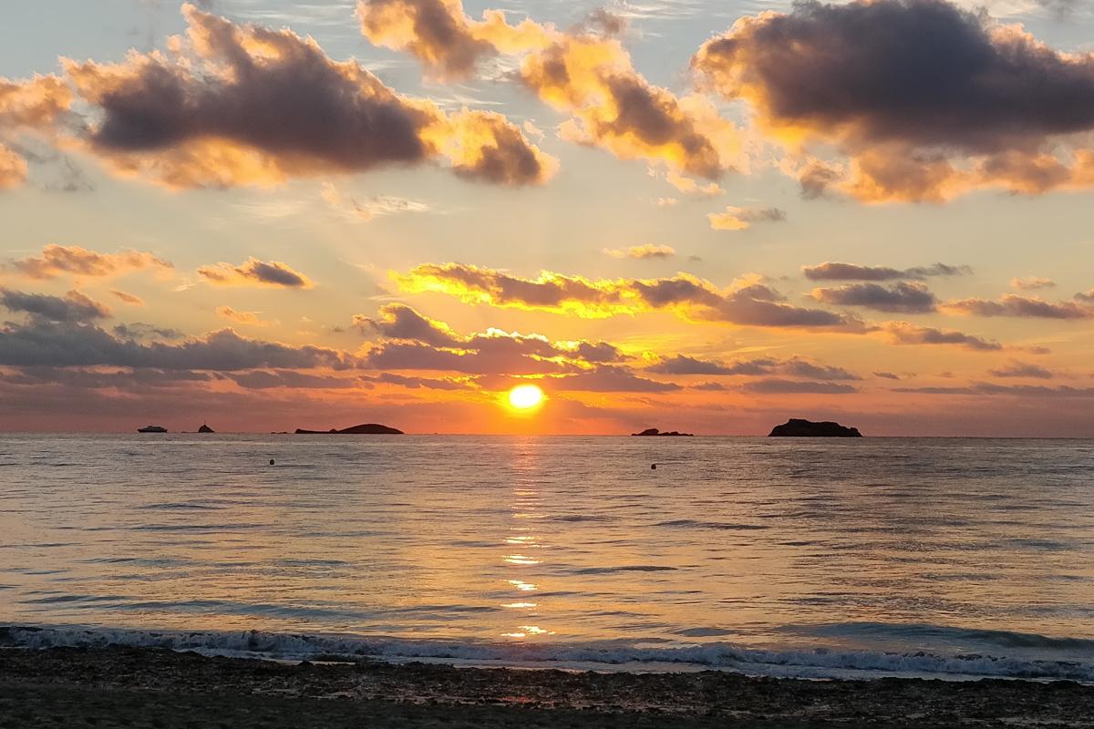 Benirras Beach Sunset, Benirras Beach Ibiza, Benirras Beach North Ibiza, Ibiza sunsets, luxury holiday North Ibiza