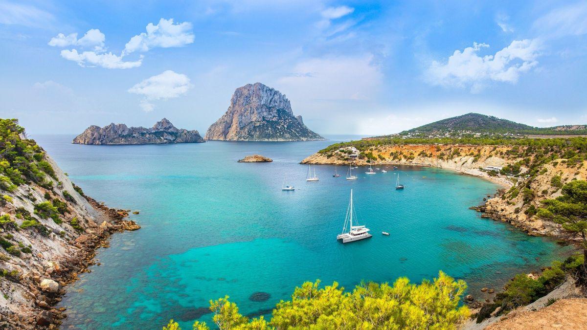 luxury holiday North Ibiza, Ibiza Villa holiday, North Ibiza Guide, North Ibiza luxury villas