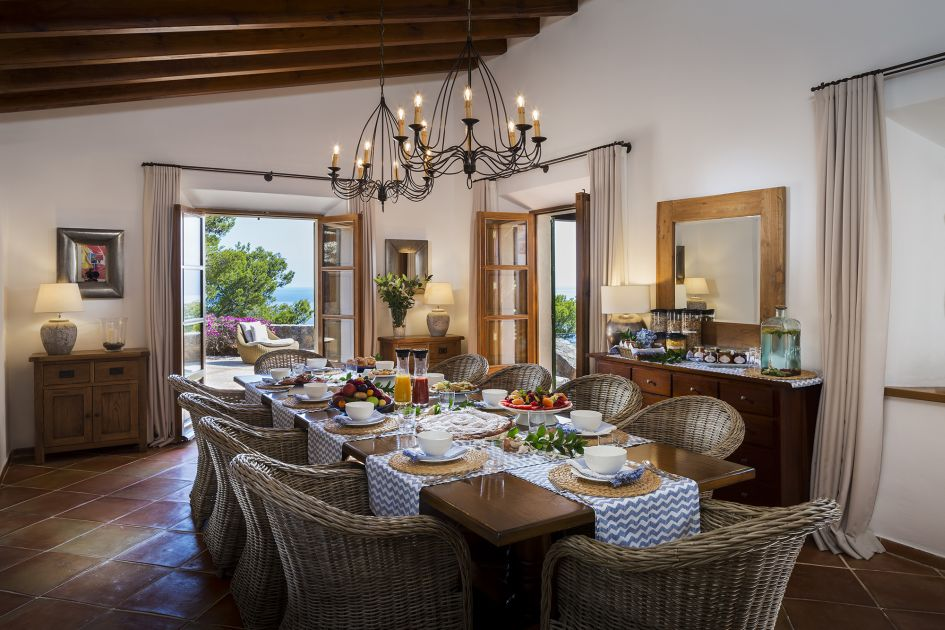 Breakfast at Sa Punta De S'aguila