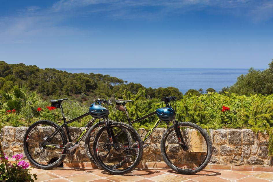 cycling in Mallorca, cycling holiday mallorca, luxury holiday Majorca, luxury villa holiday Mallorca